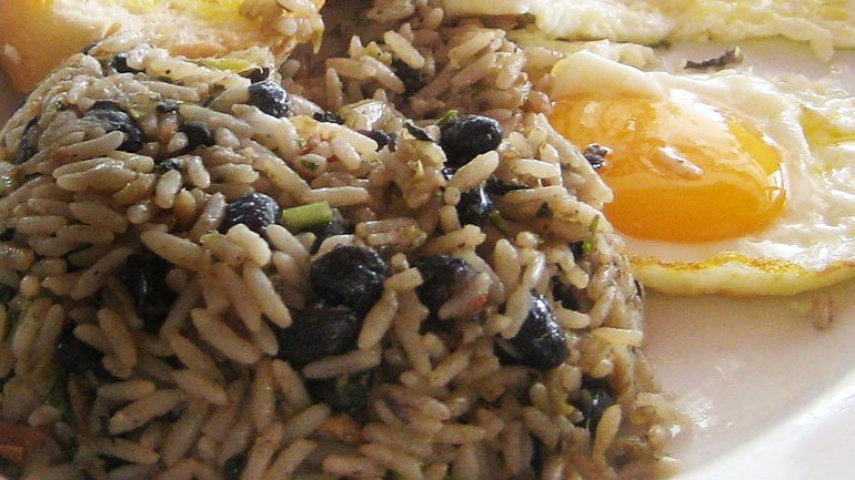 Gallo Pinto (beans and rice)
