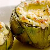 Artichoke stuffed with brie