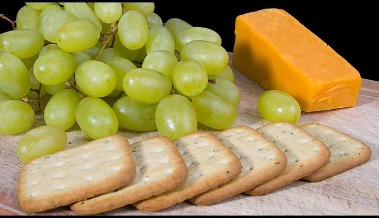 Cheese 'n' Crackers